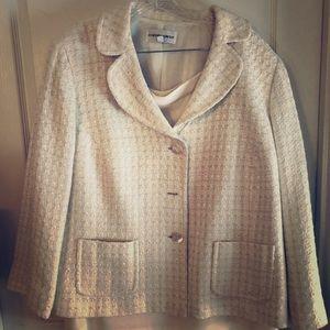 Jones New York winter white jacket/skirt suit